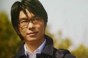 長谷川博己 眼鏡